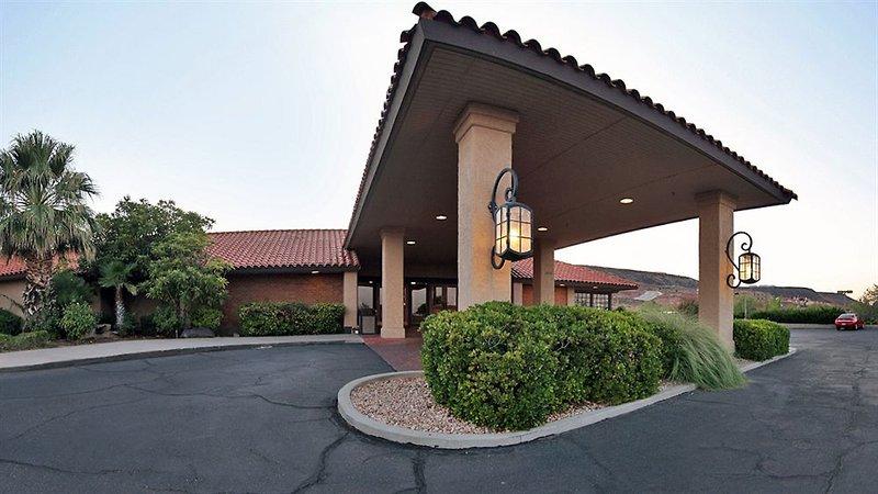 Crystal Inn Hotel & Suites - S